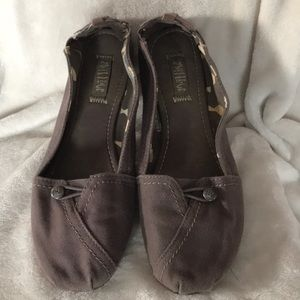 Shoes - Majlow slip on gray size 10